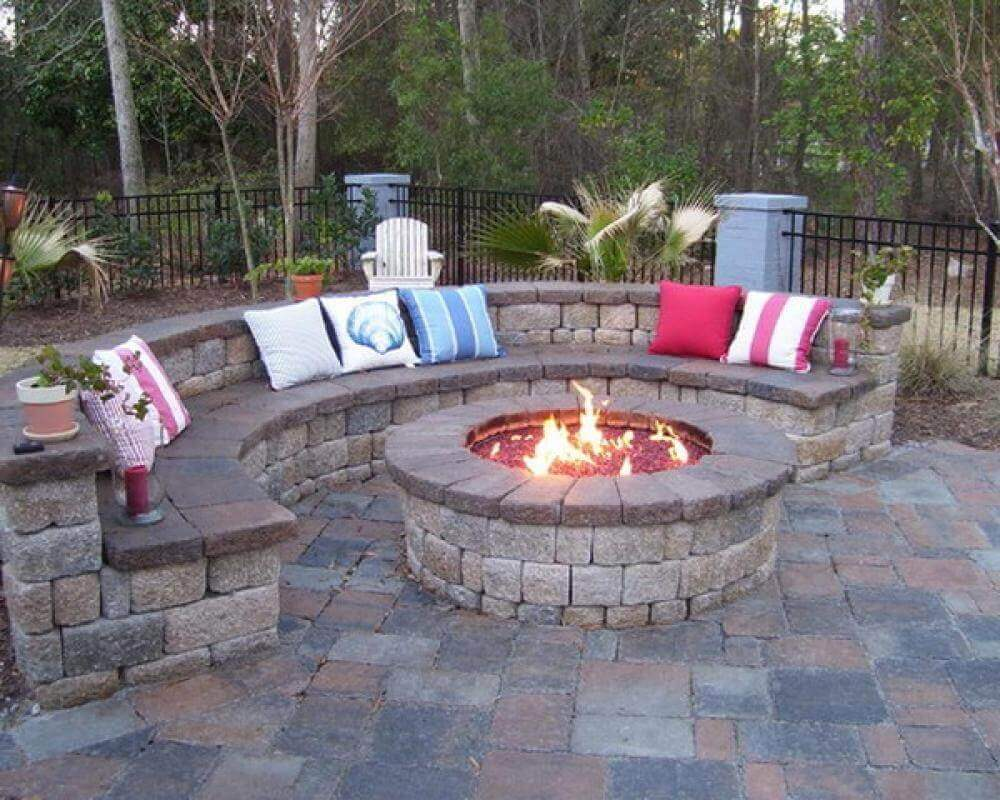 22 Stylish Backyard Fire Pit Ideas Under $100 - The ...