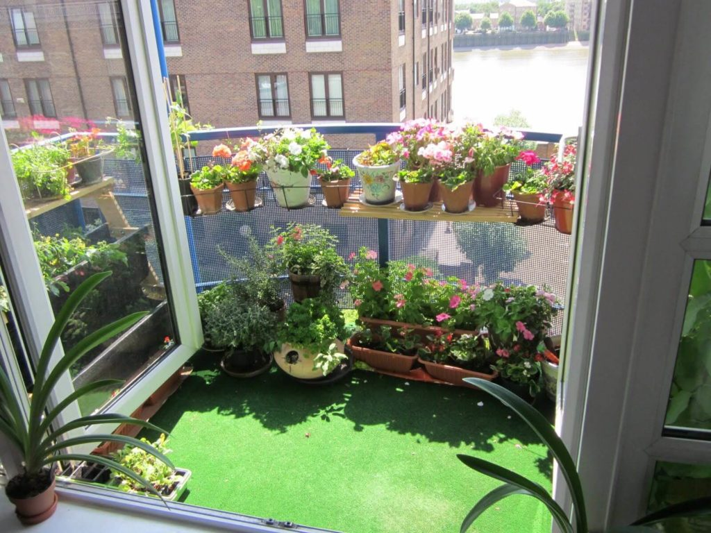 12 Apartment Balcony Garden Decorating Ideas And Designs