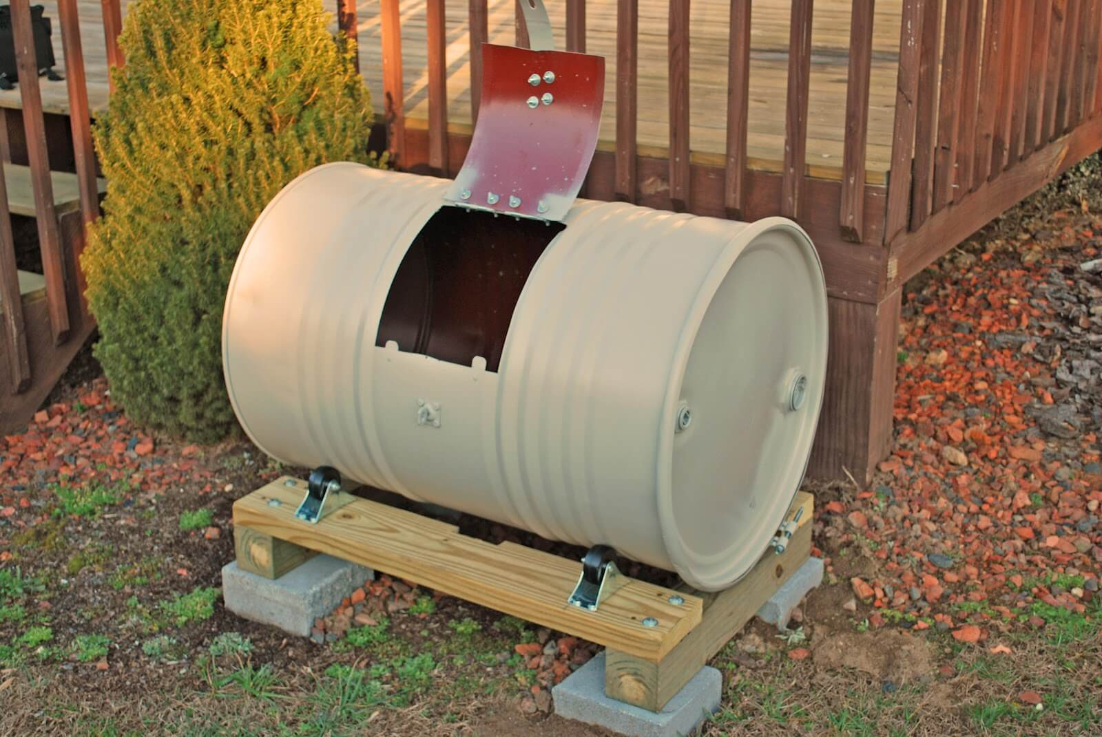 DIY Compost Bin 10