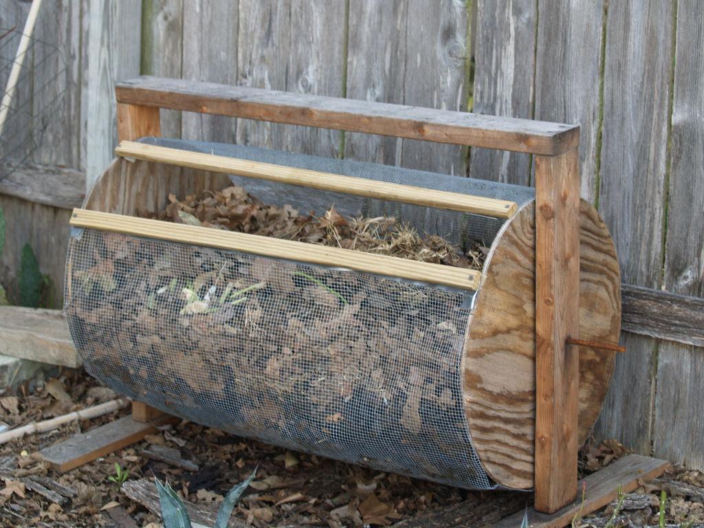 DIY Compost Bin 13