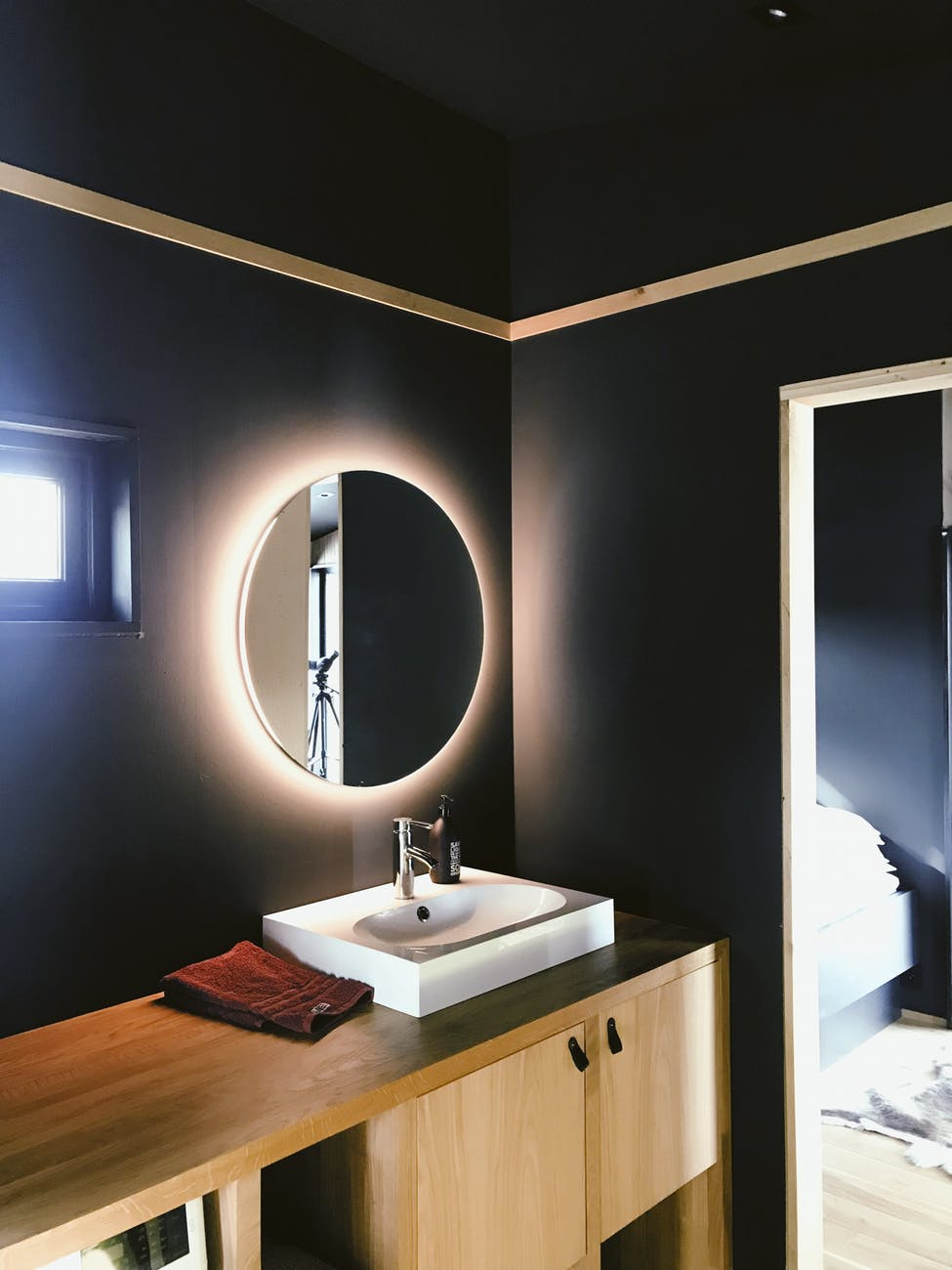 Modern Powder Room Remodel 7 lightings
