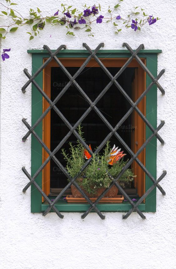 Simple Yet Modern Window Grill Designs to Decorate Windows 7