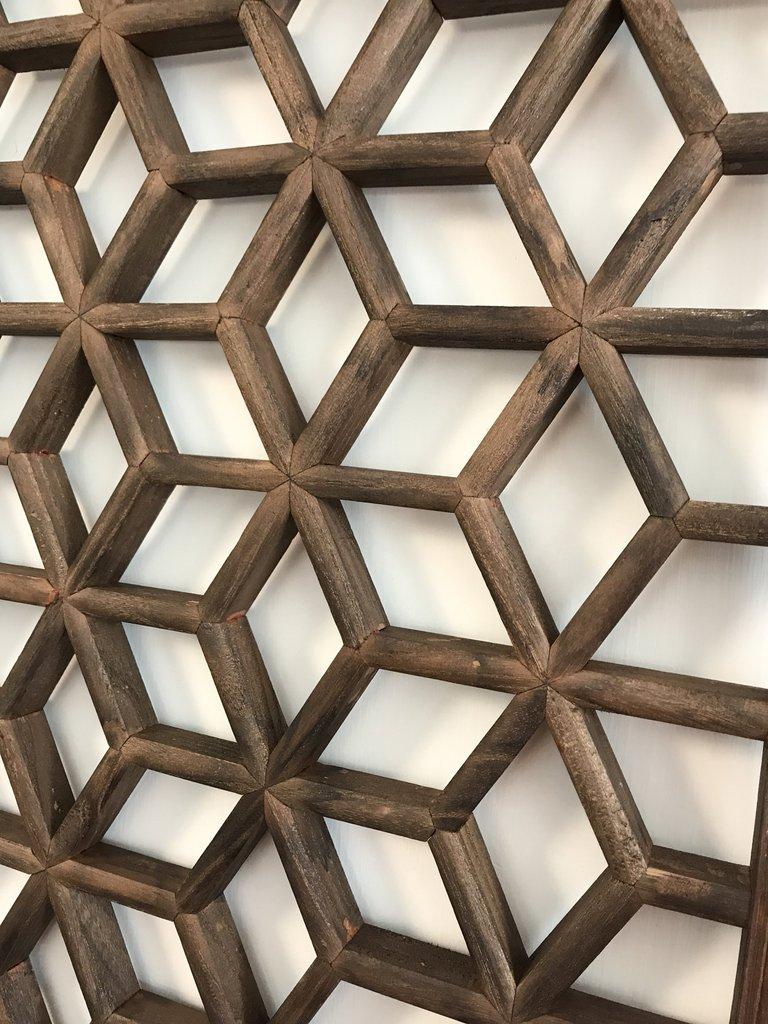 Geometric lattices to set a mood 5