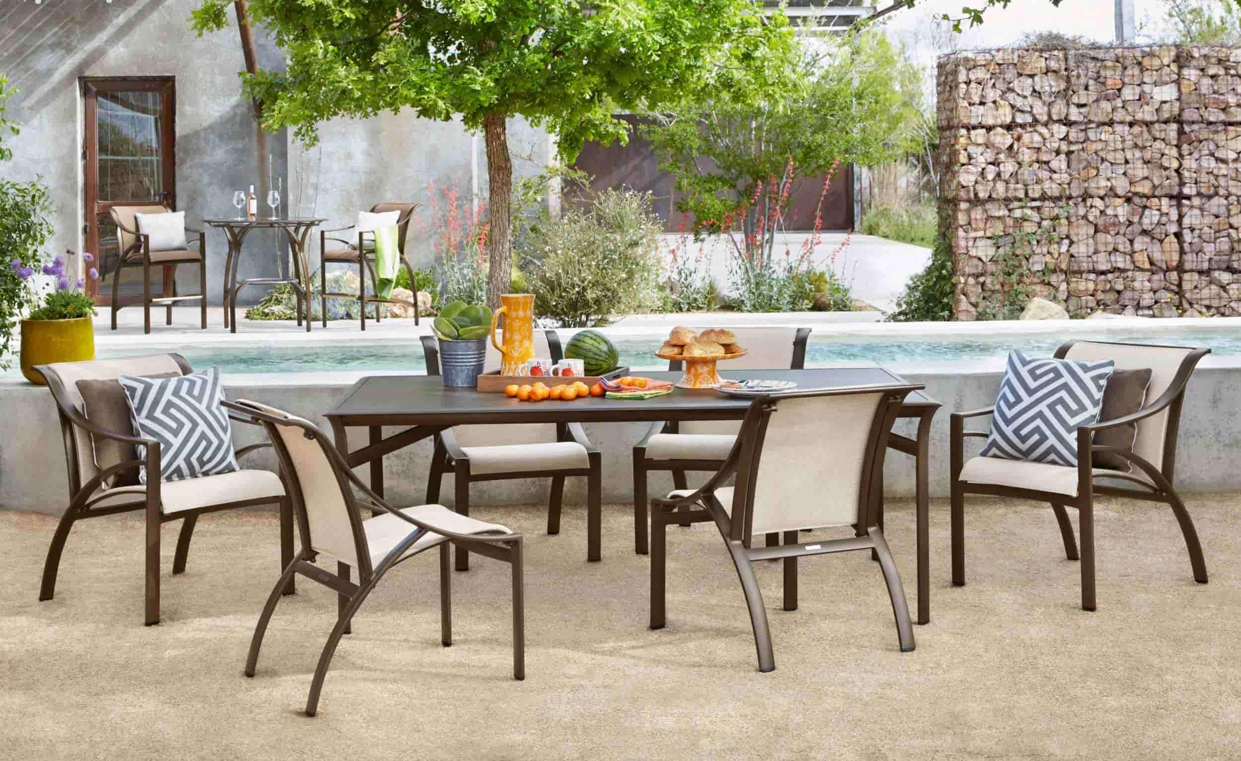 Outdoor Dining Table Designs 19