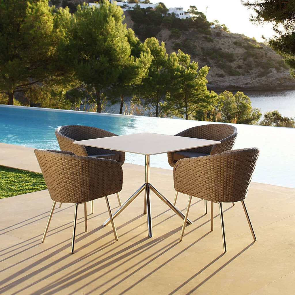 Outdoor Dining Table Designs 22