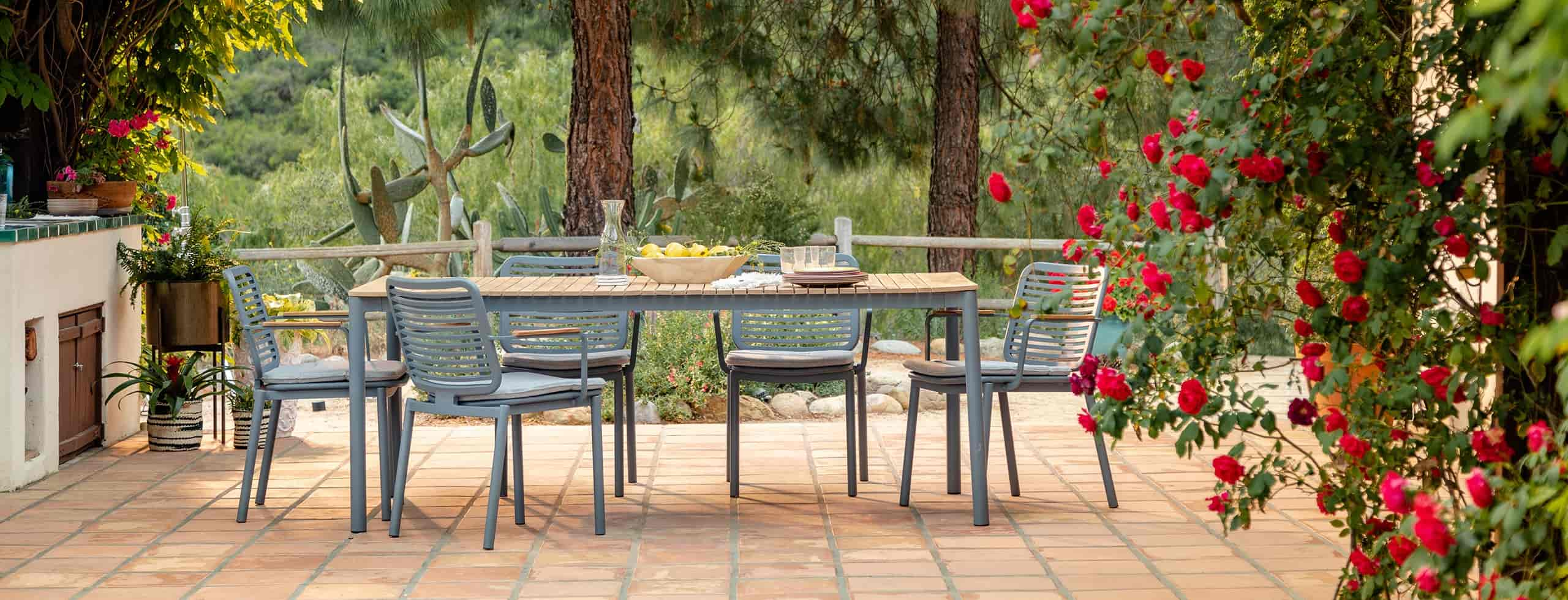 Outdoor Dining Table Designs 25