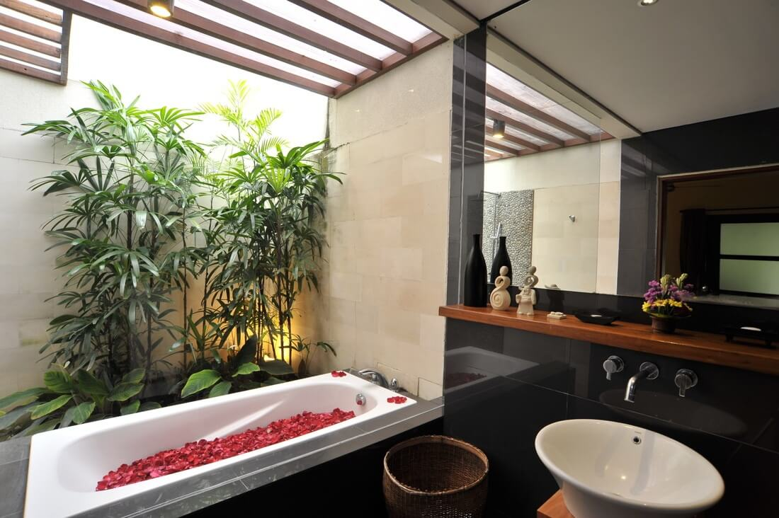 Tropical Bathroom Designs 14
