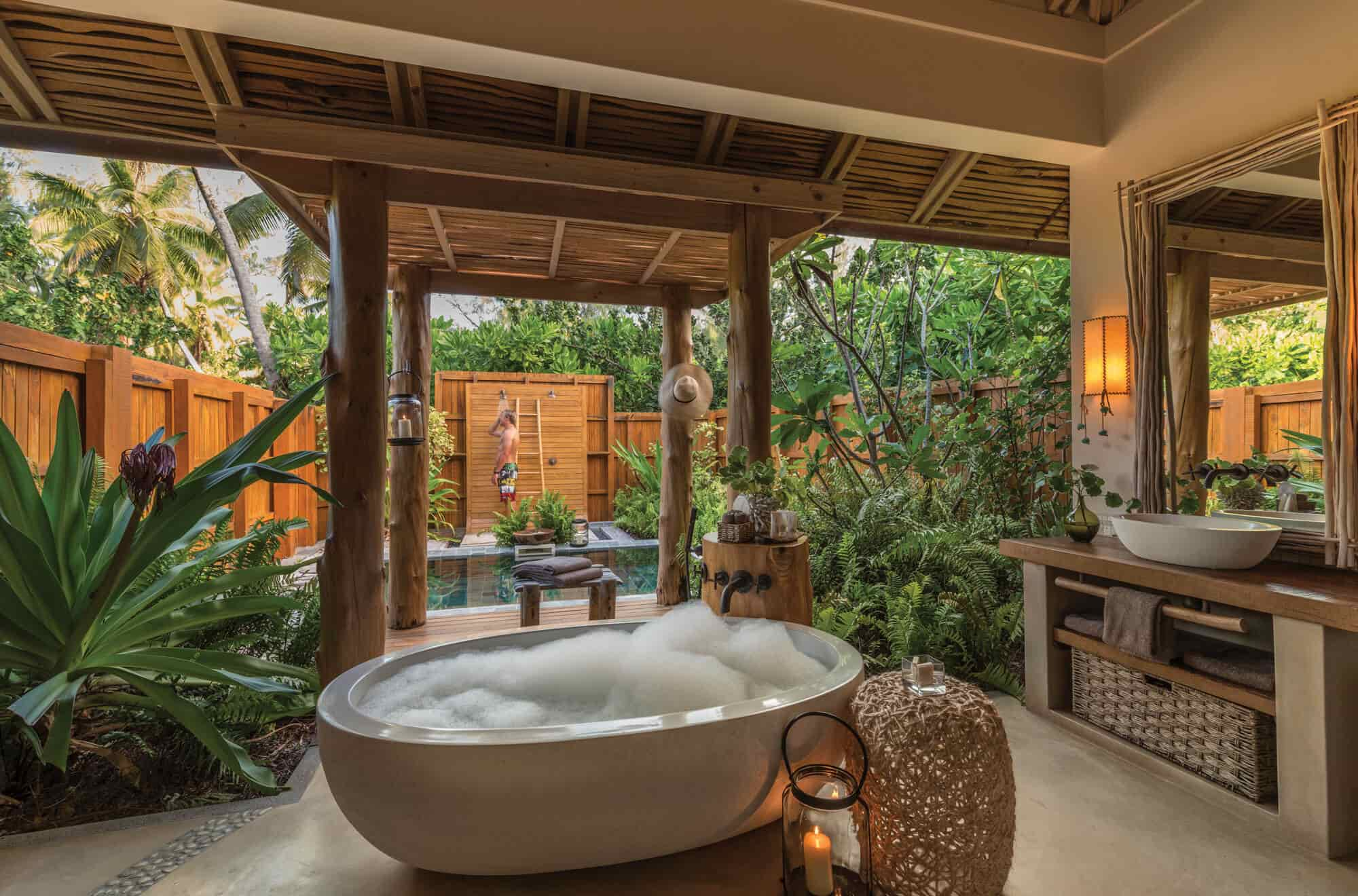 Tropical Bathroom Designs 16