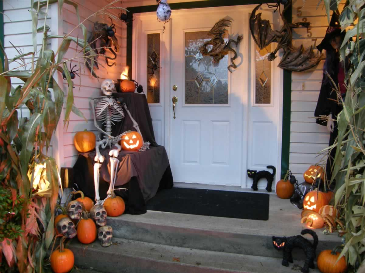 Extreme Scariest House Props Ideas For Halloween 2019 The