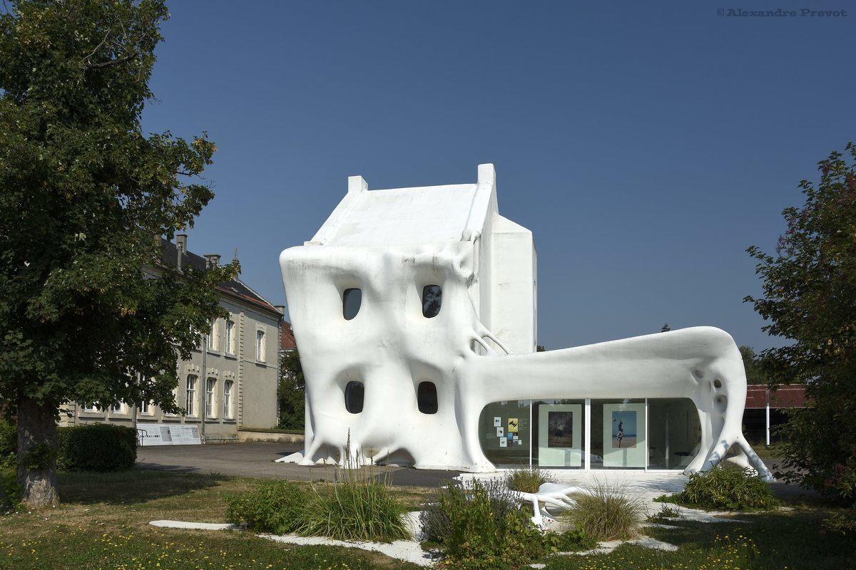19 Gue(ho)st House