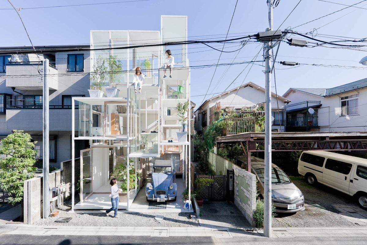 20 Transparent House