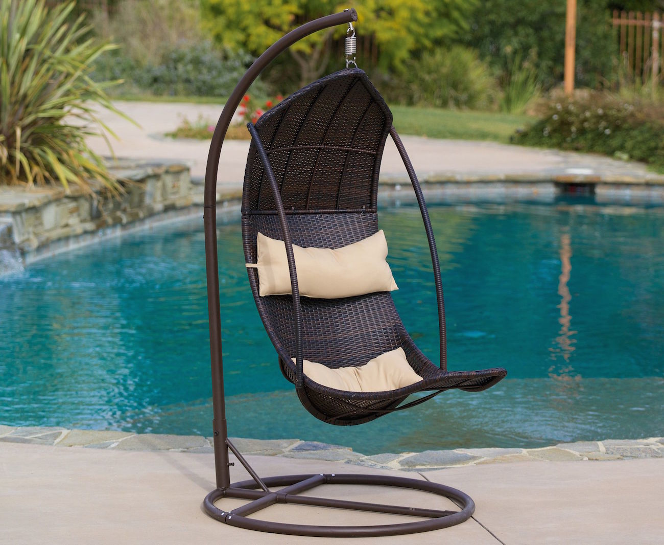 Incredible Hanging Chair Design