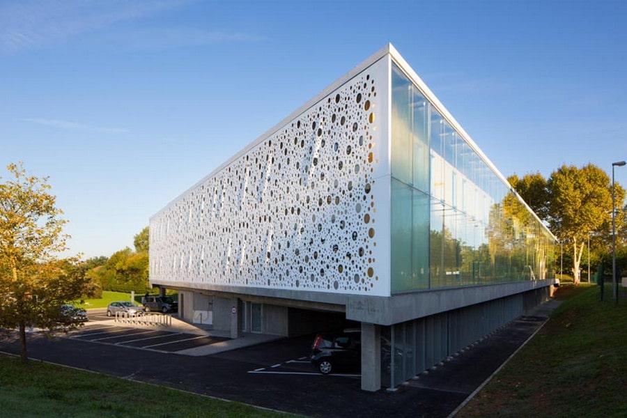 Impressive Office Building Design