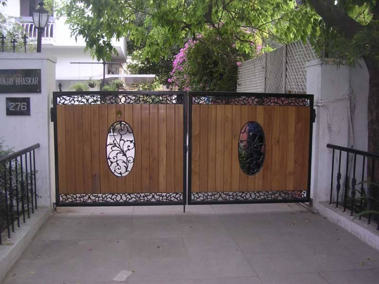 Stunning Small Front Gate That Makes Your House Attractive ...