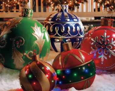 Decorate Backyard for Christmas
