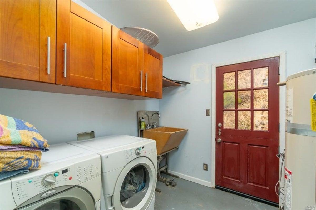 Laundry Shop Interior Design