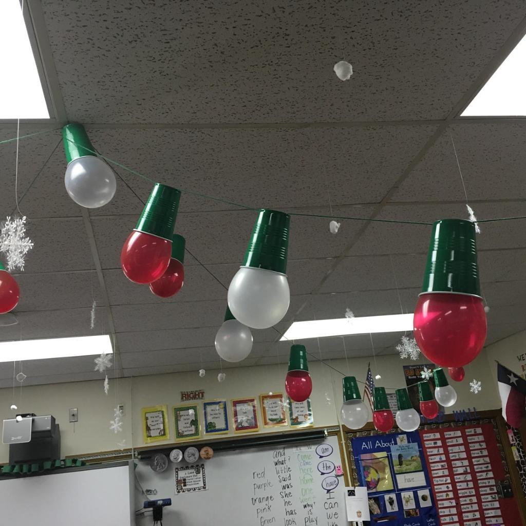 Modern Creative Classroom Decoration Ideas for Christmas ...