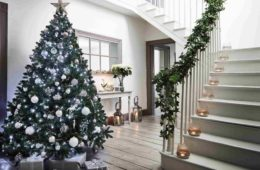 Home Entrance Decoration Ideas for Christmas