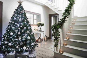 Home Entrance Decoration Ideas for Christmas