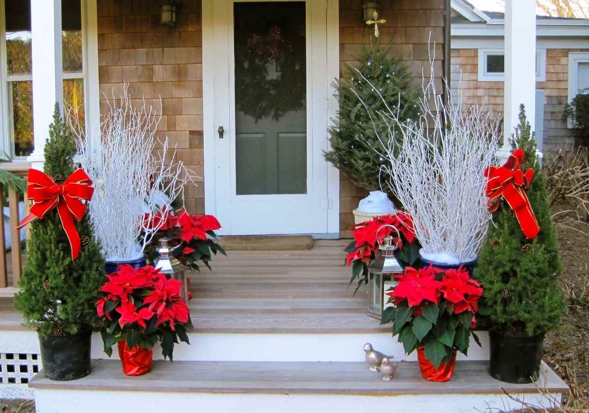 Attractive Front Porch Christmas Decoration Ideas
