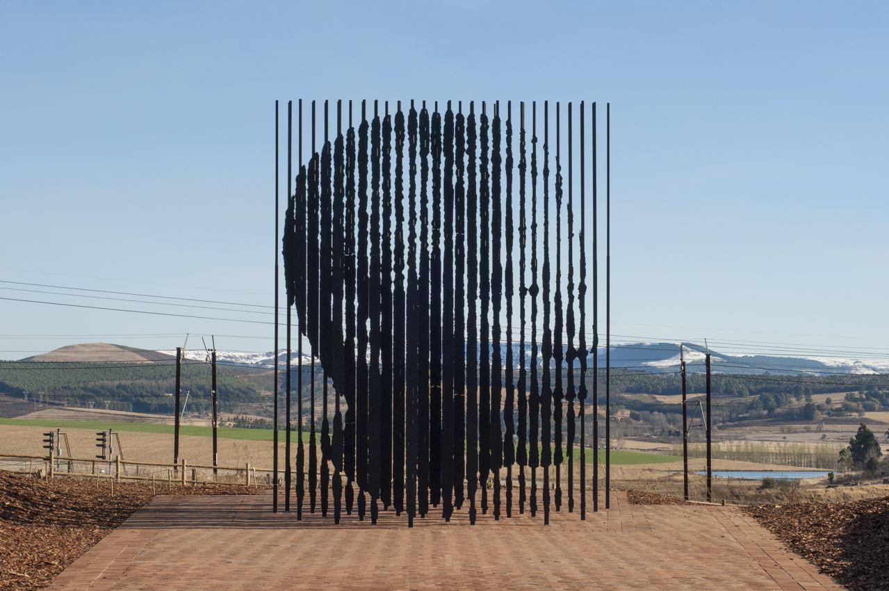 Nelson Mandela by Marco Cianfanelli