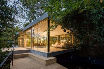Beautiful Glass House Architecture