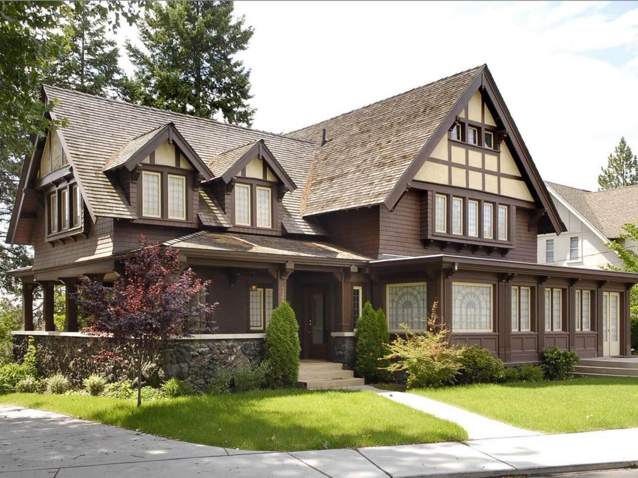 Tudor Style Home 9