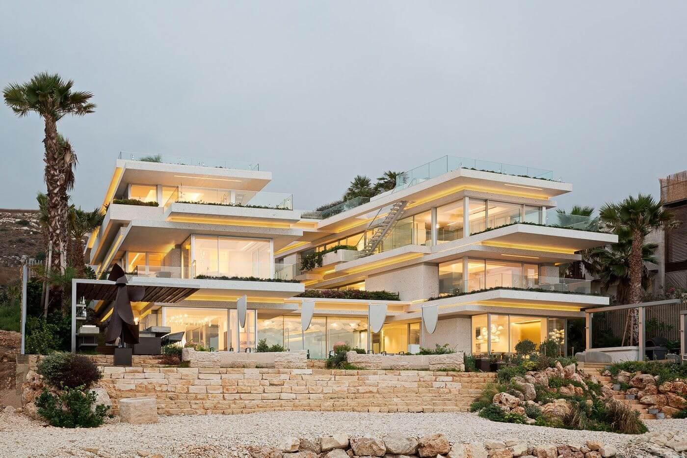 Grand Seaside Villa in Monsef, Lebanon