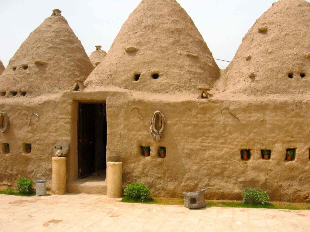 Mud huts of Gaoui
