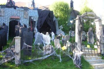 Halloween backyard decoration