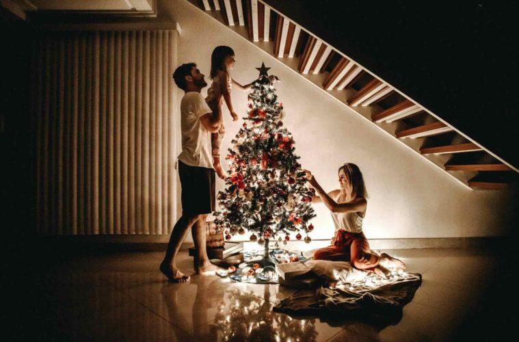 Christmas-tree- decoration-tips-1