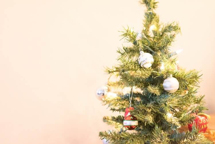 Christmas-tree- decoration-tips-4