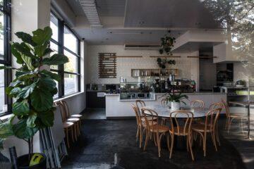Dining space interior decor 5