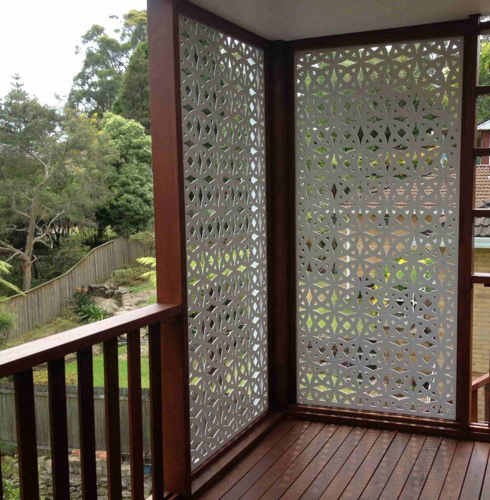 Glass wooden screens