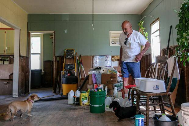 Remove flood damage from home