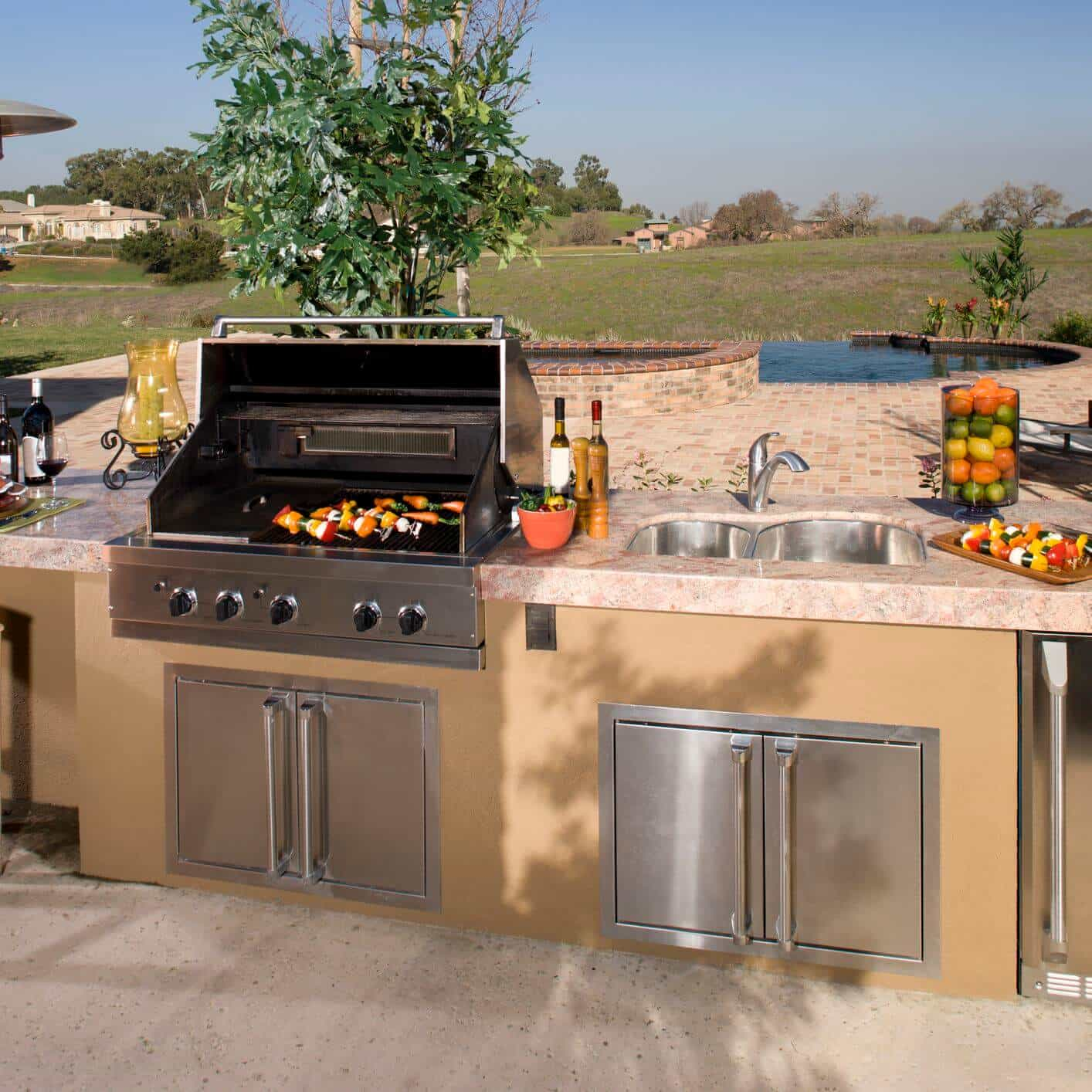 Set Up a BBQ Grill in Your Backyard