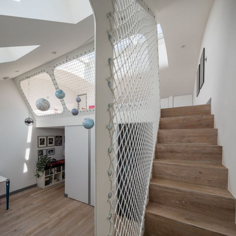 handrail stair design