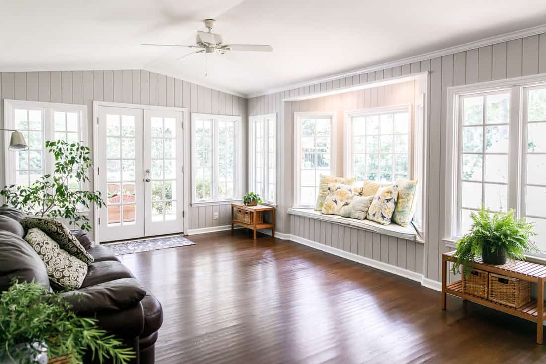 ALIGN THE HEIGHT OF WINDOWS AND DOORS