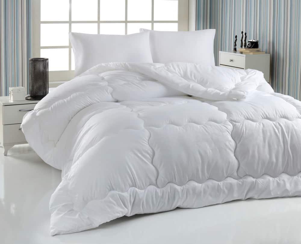 Surprising Benefits Of White Bedding