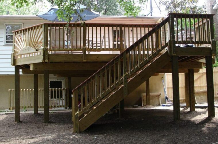 build deck stair